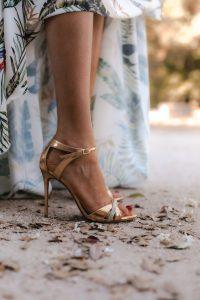 sandalias doradas invitada perfecta pura lopez