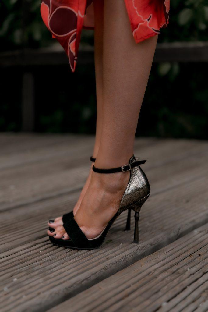 sandalias negras lodi