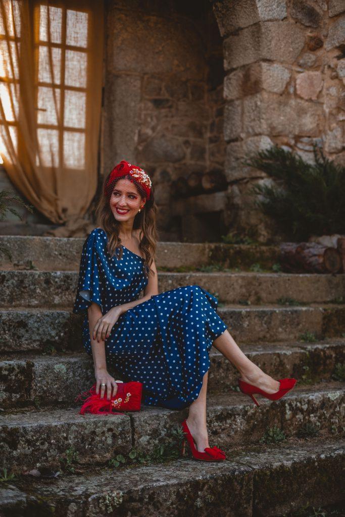 vestido invitada azul lunares bruna