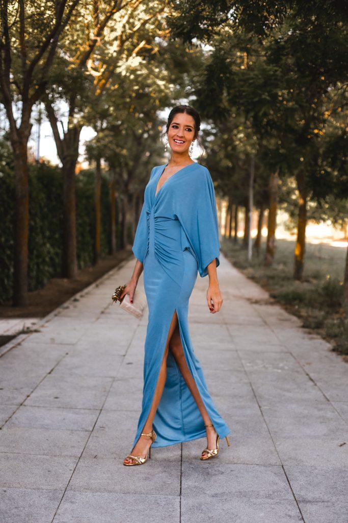 Look invitada perfecta vestido azul Lola Li