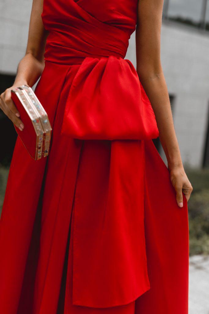 look invitada boda vestido rojo