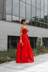 Vestido rojo largo invitada perfecta