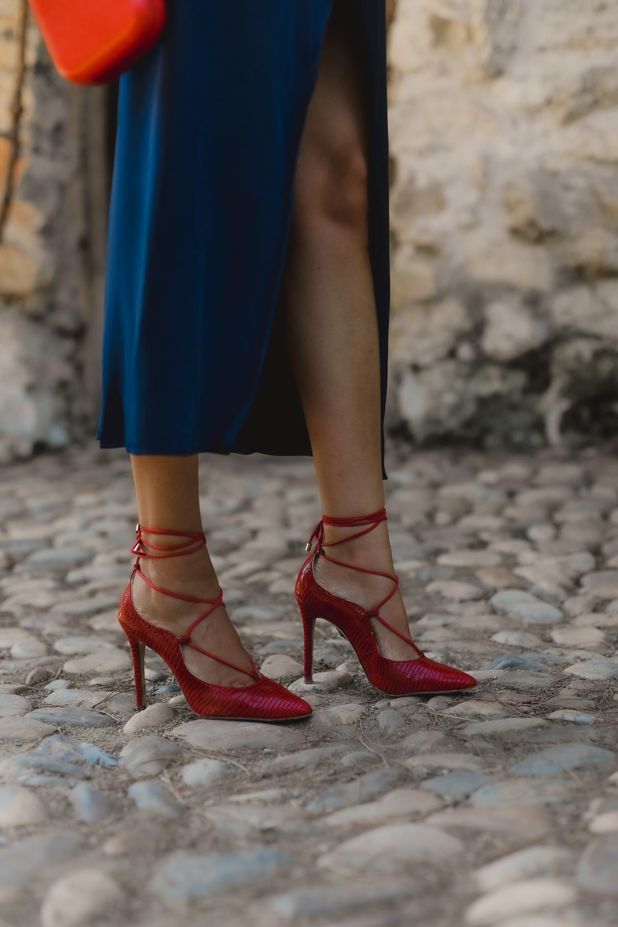 zapatos rojos invitada perfecta