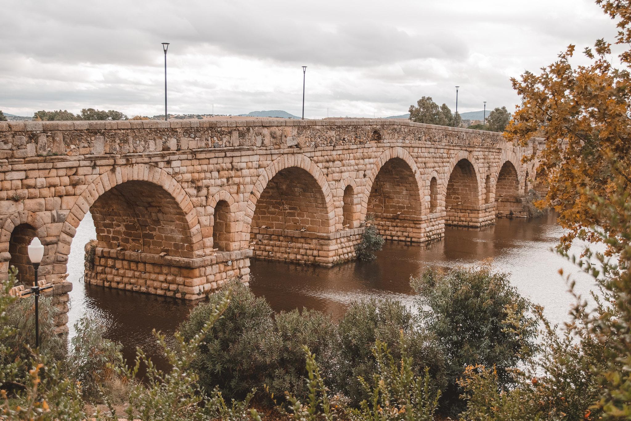 que ver mérida, puente romano