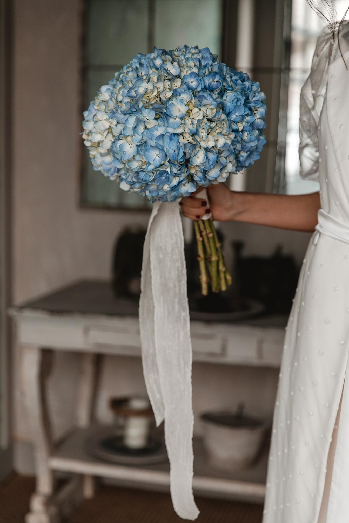 ramo novia azul hortensias