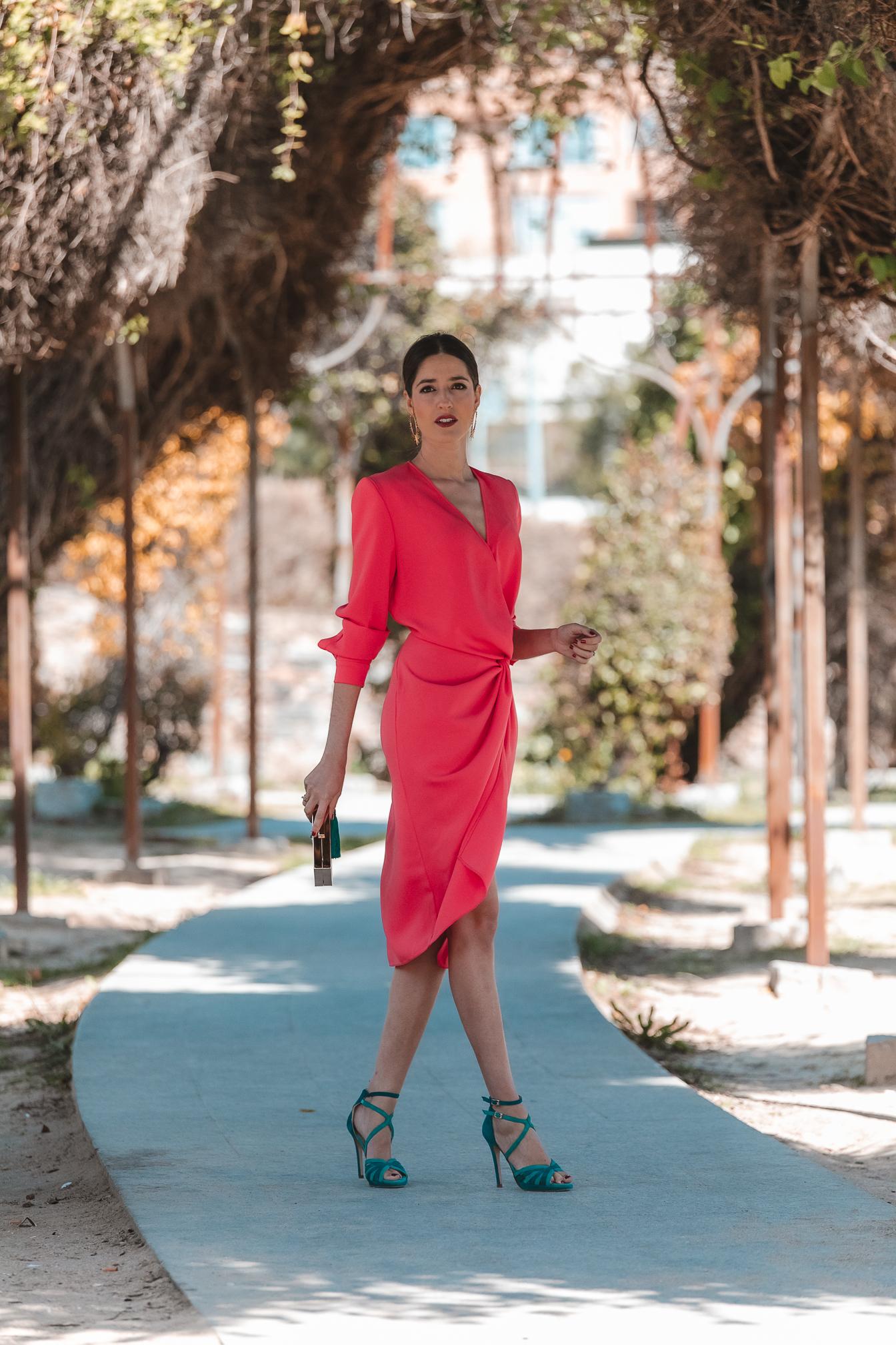 invitada perfecta vestido coral