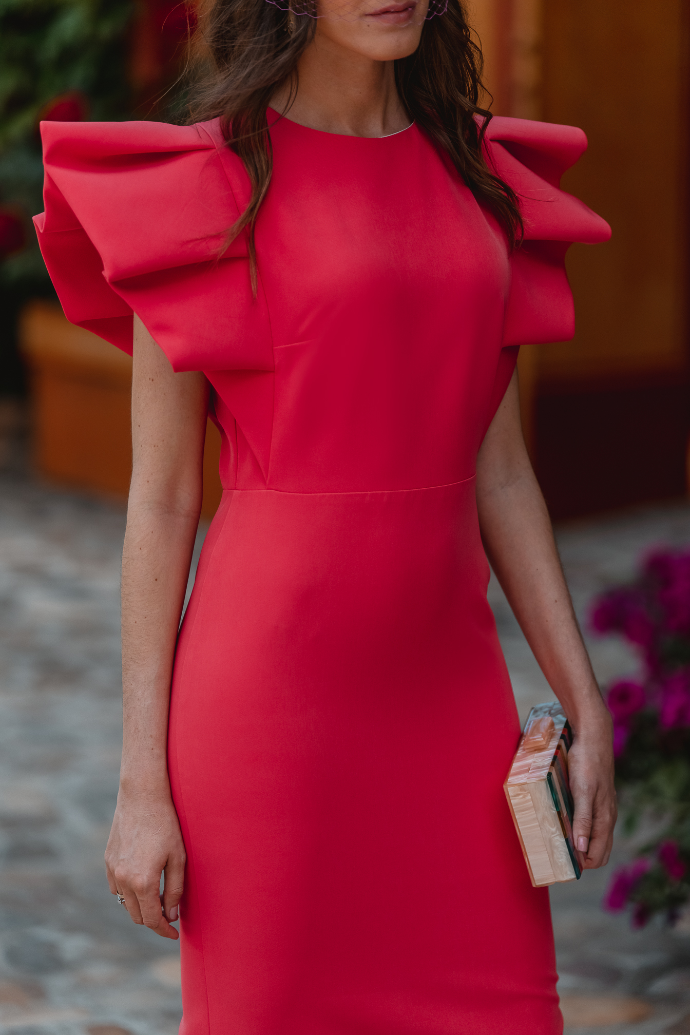vestido ajustado invitada