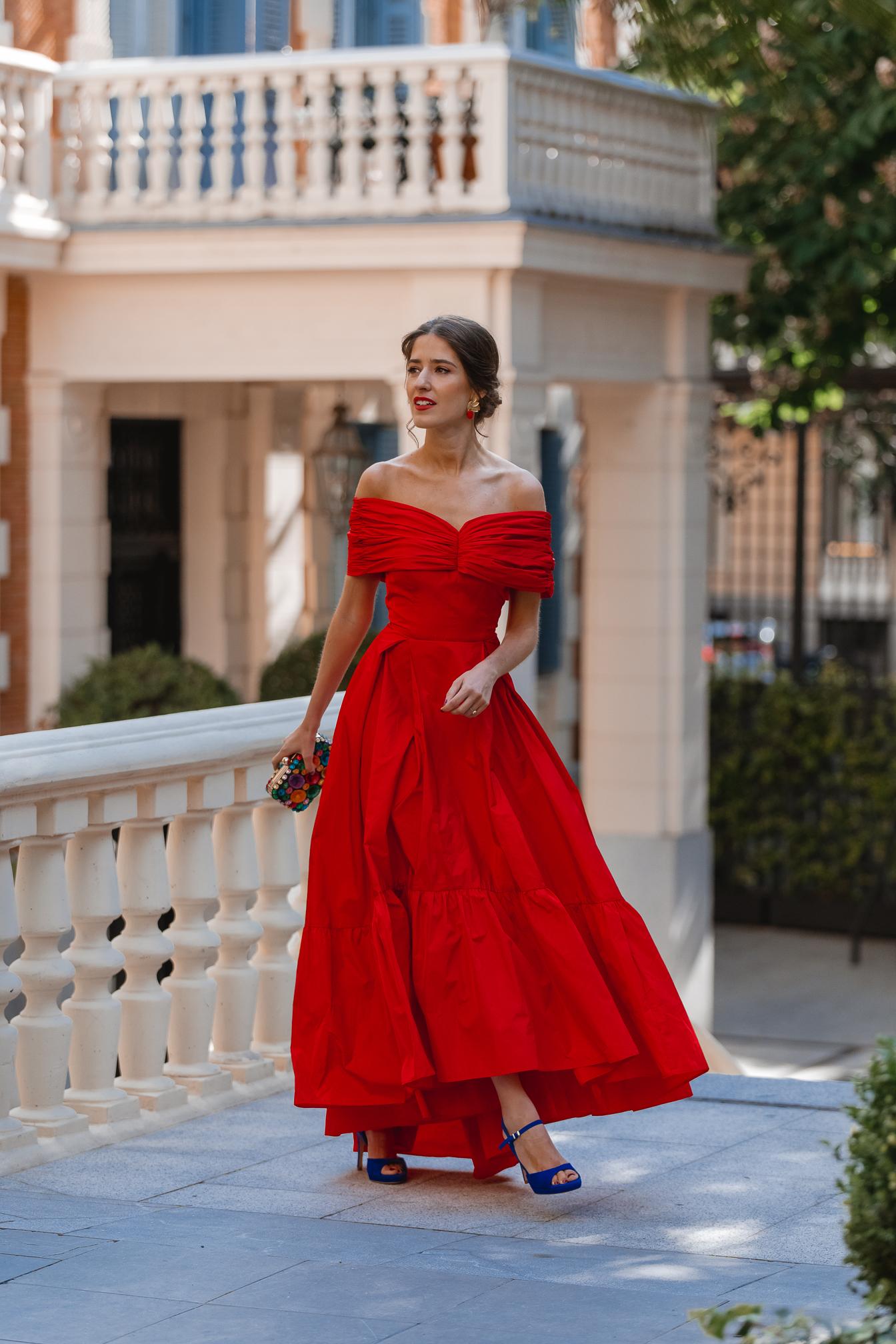 vestido rojo vuelo invitada perfecta