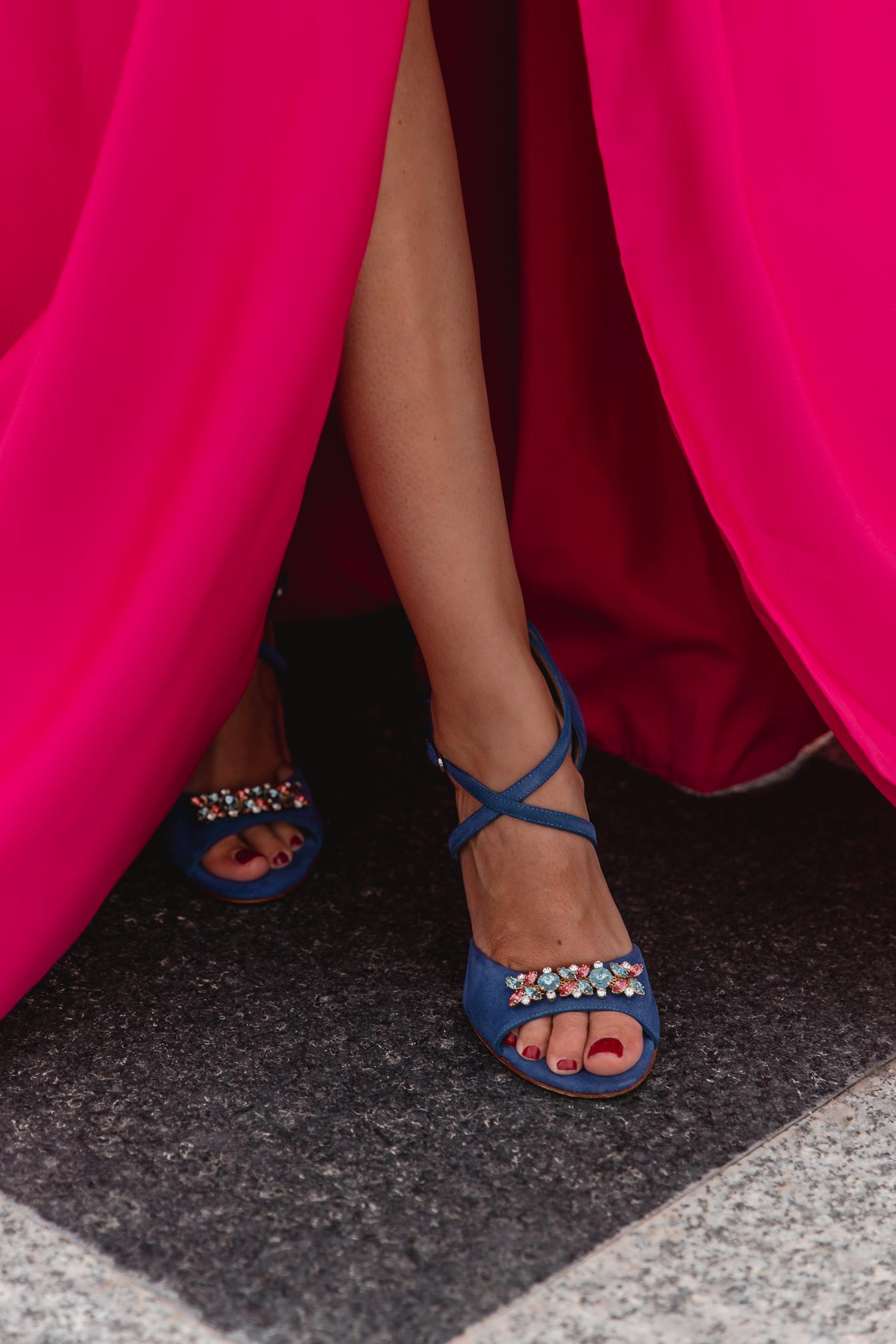 sandalias azul klein invitada boda