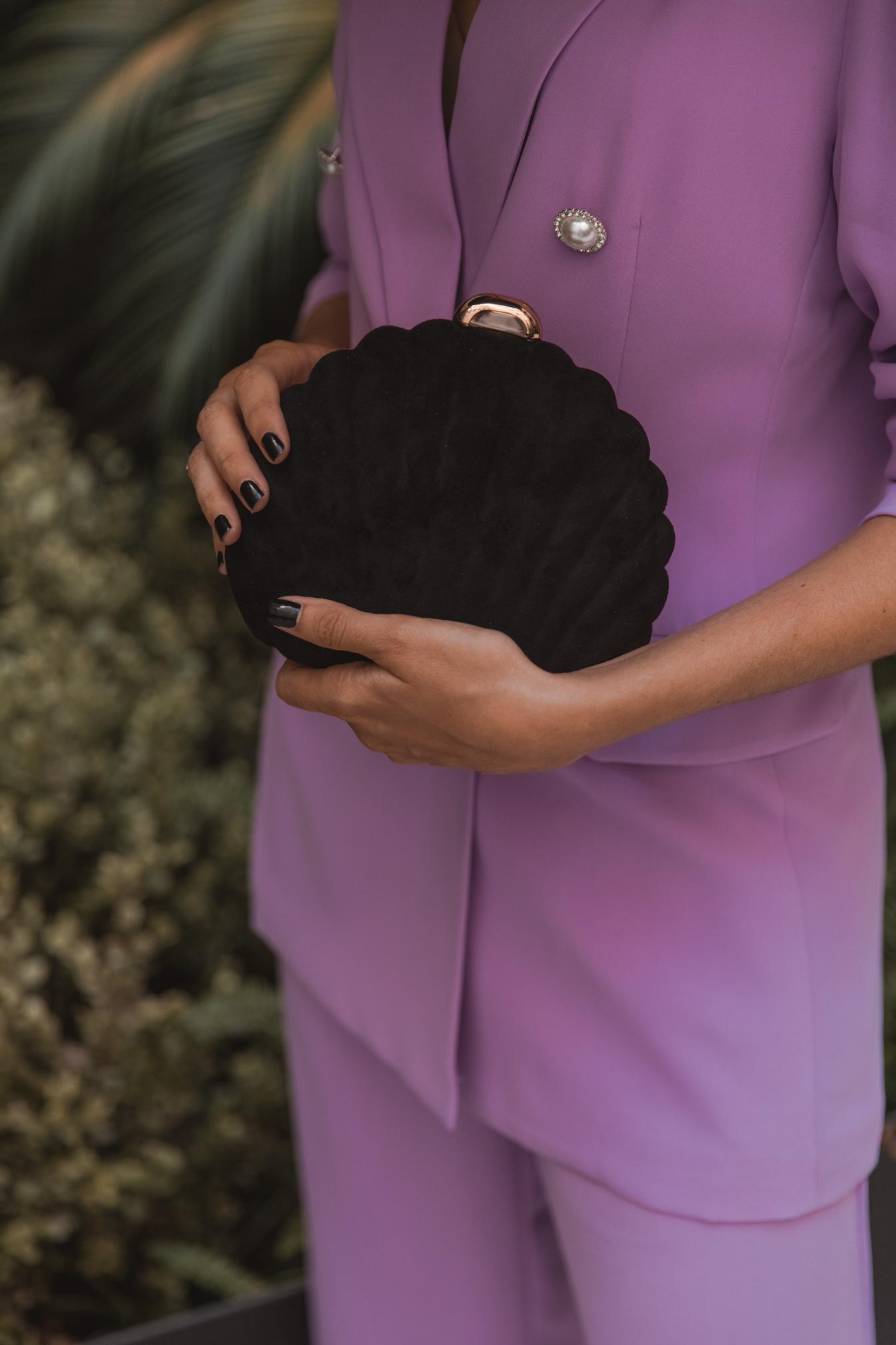 bolso negro invitada