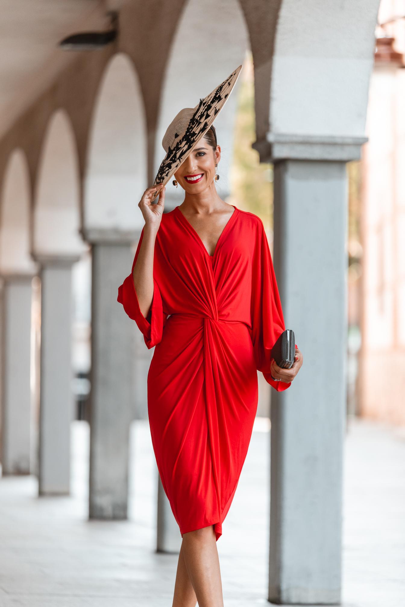 look invitada boda mañana vestido rojo