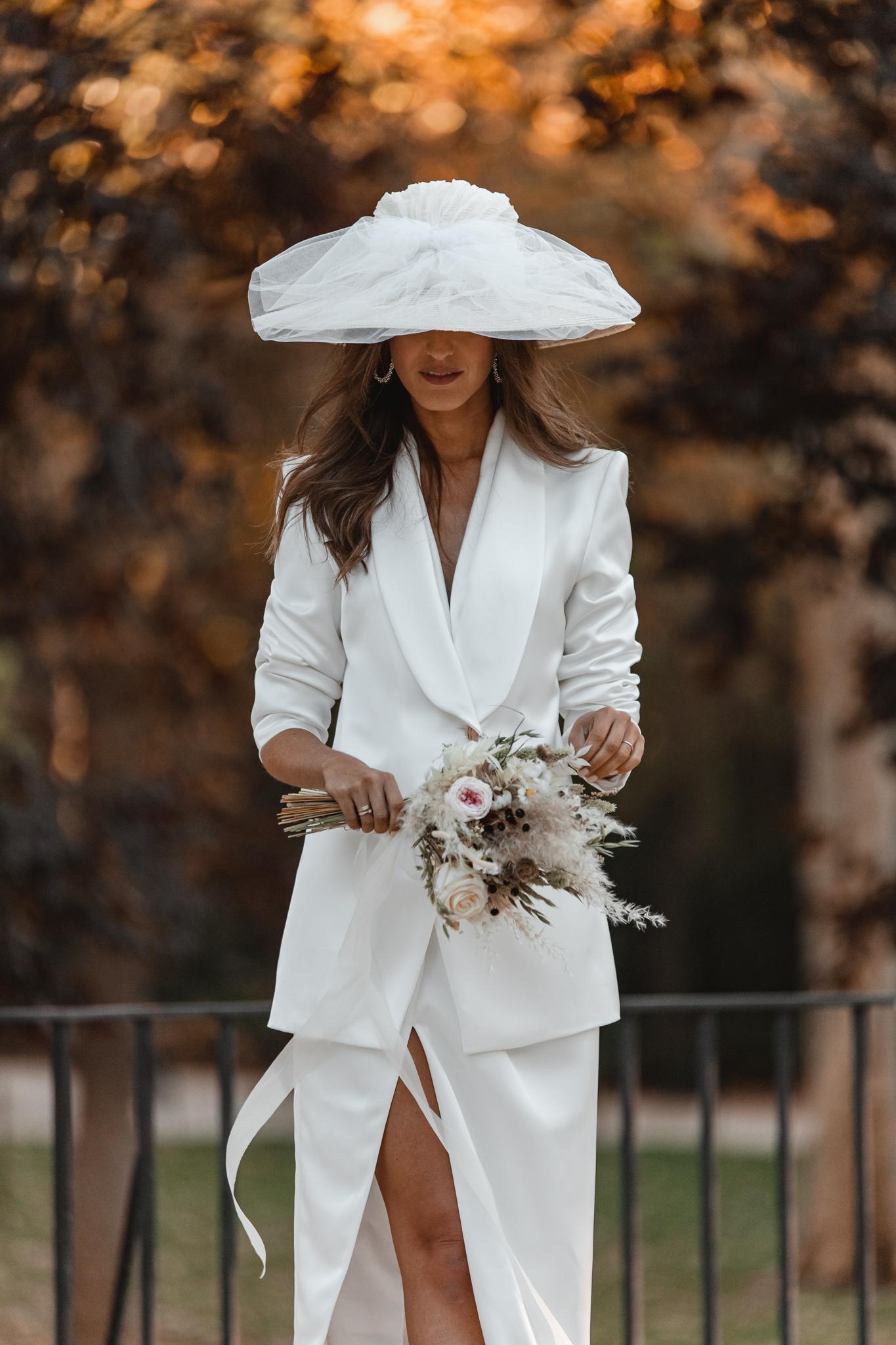 novia bianca jagger traje chaqueta