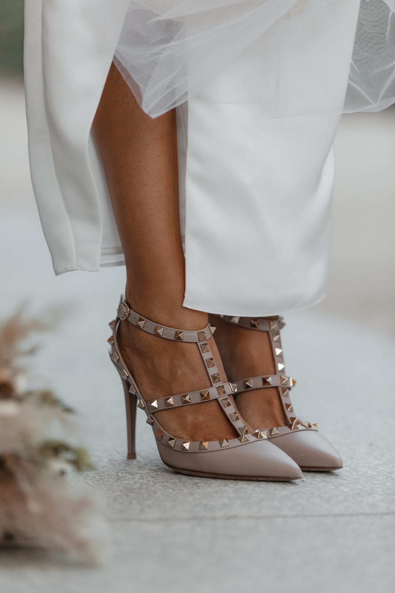 zapatos nude novia valentino