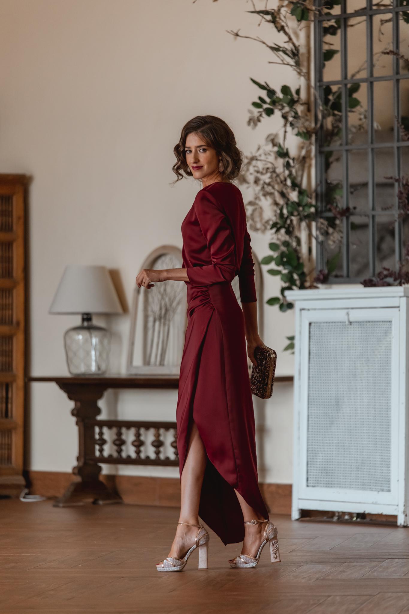 invitada perfecta vestido granate otoño