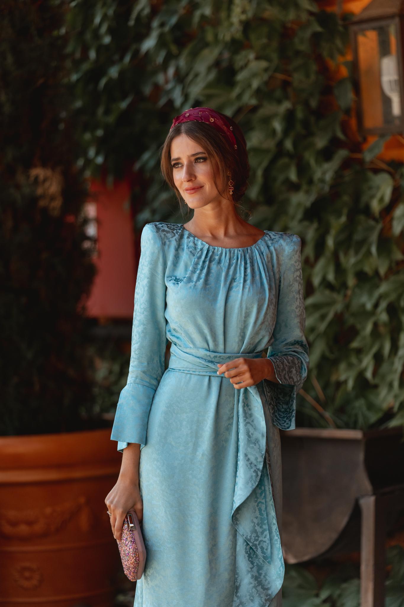 vestido invitada otoño invierno azul